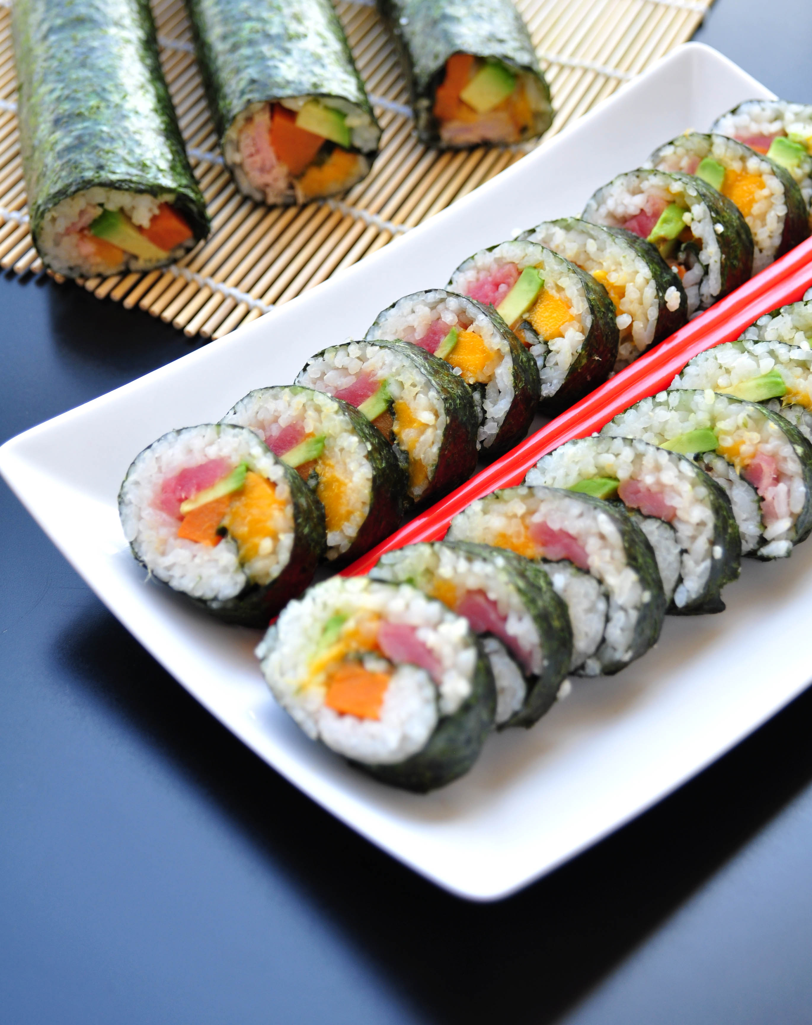 tuna-sushi-maki-rolls2-by-starvingchef.jpg